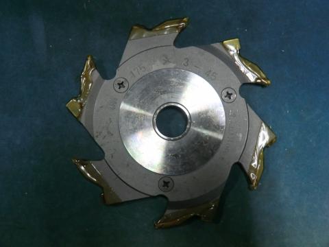 調整式ラジアルカッター 兼房 3mm-4.5mm(調整式) 未使用品